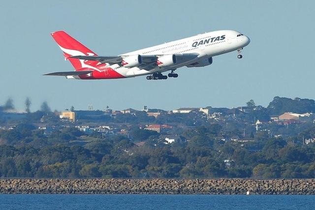 Một máy bay của Qantas Airways (Ảnh minh họa: Reuters)