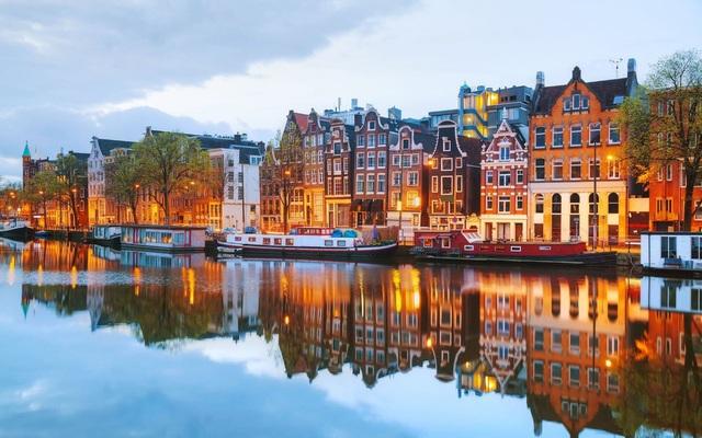 Amsterdam – một trong những điểm đến thu hút nhiều du khách Việt