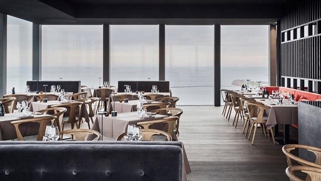 Một nhà hàng với nội thất sang trọng bên trong Silo Các kiến trúc sư nói rằng Silo thể hiện tầm quan trọng của việc khôi phục lại các thiết kế ban đầu ở thành phố, nâng cao nhận thức về vấn đề bền vững môi trường, là một cách tiếp cận văn minh và có tầm nhìn xa với một di sản văn hóa lâu đời.