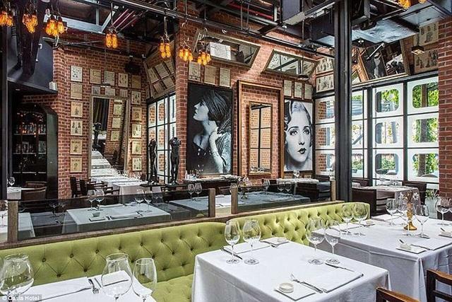 OSO Ristorante, một quán ăn Ý nằm trên tầng 27 của Oasia Hotel Downtown