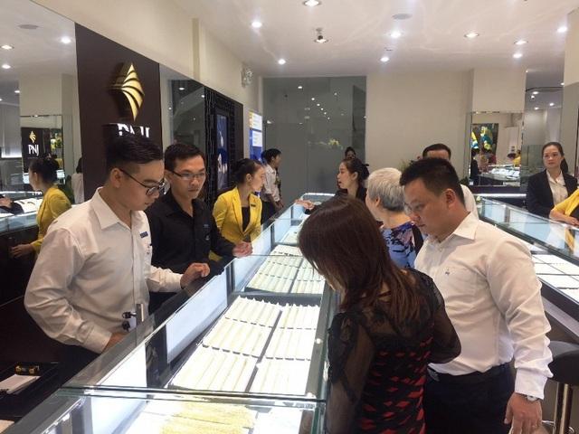 PNJ khẳng định, doanh nghiệp này vẫn không có nhiều xáo trộn khi bà Nguyễn Thị Cúc bị khởi tố.