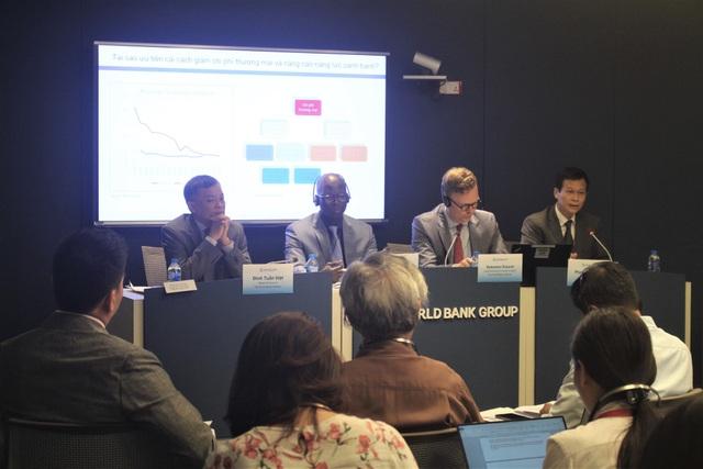 Các chuyên gia nhận định tăng trưởng gần đây của Việt Nam cao hơn do điều kiện thuận lợi trong nước và quốc tế nhưng có thể tốc độ sẽ giảm dần. (Ảnh: Hồng Vân)
