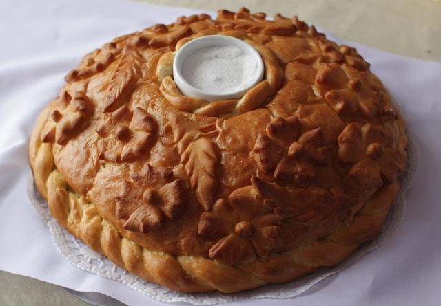 Tại sao người Nga đón khách với bánh mì và muối? - 1