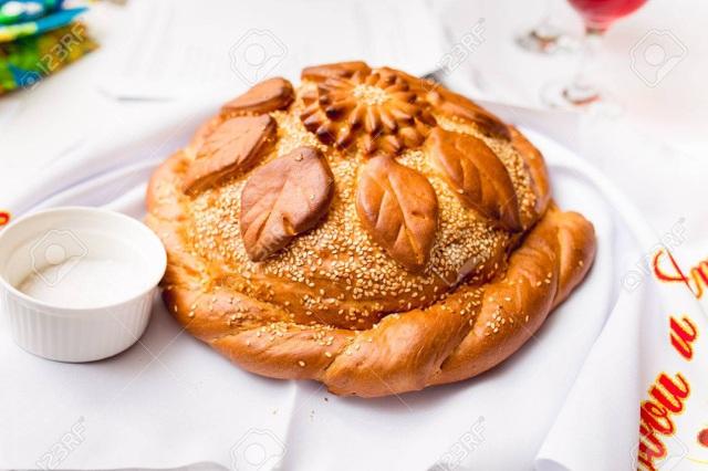 Tại sao người Nga đón khách với bánh mì và muối? - 3