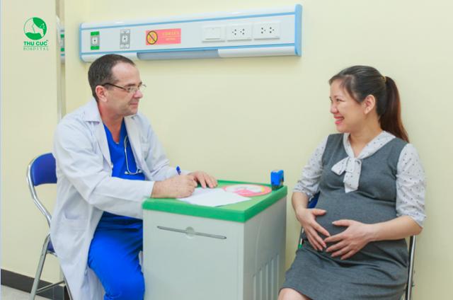 Đội ngũ bác sĩ đầu ngành trong nước và Quốc tế luôn sẵn sàng hộ trợ tư vấn cho mẹ bầu mọi vấn đề trong thai kỳ