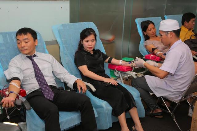 Hưởng ứng ngày quốc tế hiến máu - 1