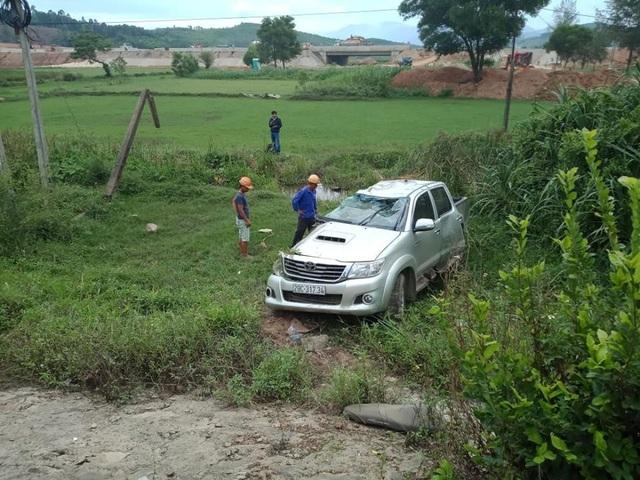Vụ tai nạn khiến 1 người ngồi trong ô tô tử vong, người còn lại bị thương rất nặng