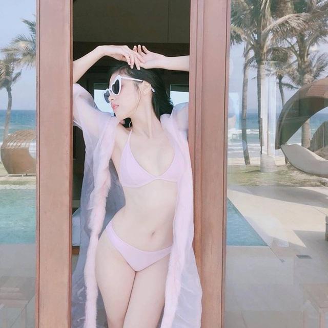 Ở một số góc chụp, đặc biệt là góc nghiêng, vẻ đẹp nổi bật của Ngọc San khiến nhiều người lầm tưởng cô chính là hot girl Sài thành xinh đẹp.