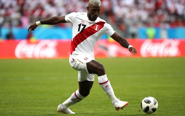 Hậu vệ cánh phải Luis Advincula của tuyển Peru