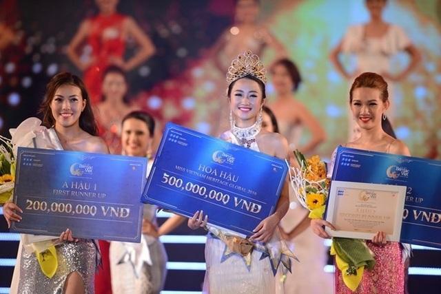 Việc Trần Thị Thu Ngân lấy chồng ngay sau khi đăng quang Hoa hậu Bản sắc Việt toàn cầu 2016 đã trở thành tâm điểm chú ý của dư luận.