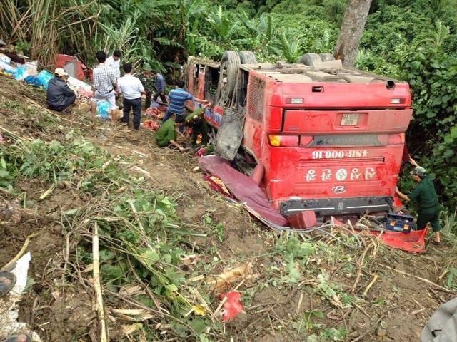 Đội cứu hộ của xã Đăk Man đã phối hợp cùng lực lượng chức năng để cứu người bị nạn trên đèo Lò Xo