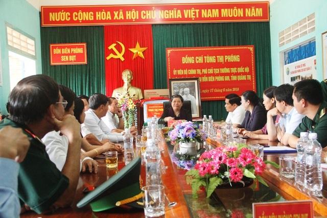 Phó Chủ tịch Quốc hội đã thăm và động viên cán bộ, chiến sĩ Đồn Biên phòng Sen Bụt