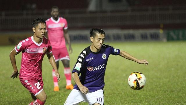 Đang bất bại sau những 13 trận, để thua chỉ 8 bàn sau 13 vòng đấu, CLB Hà Nội bỗng thua thảm đội áp chót bảng Sài Gòn FC, để lọt lưới đến 5 bàn chỉ trong 1 trận (ảnh: Trọng Vũ)