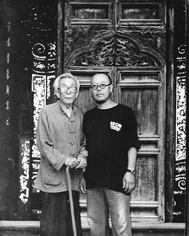 Những bức ảnh kỷ niệm của họa sĩ Thành Chương với nhà văn Kim Lâm.