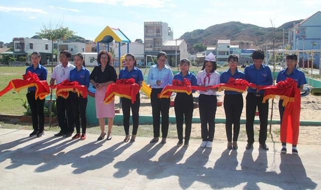 Khánh thành khu vui chơi giải trí cho các em thiếu nhi xã bán đảo Nhơn Lý (TP Quy Nhơn, Bình Định).