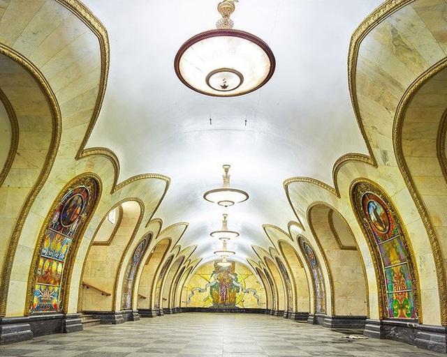 """Nga tự hào với """"cung điện ngầm"""" lộng lẫy nguy nga dưới lòng đất - 5"""