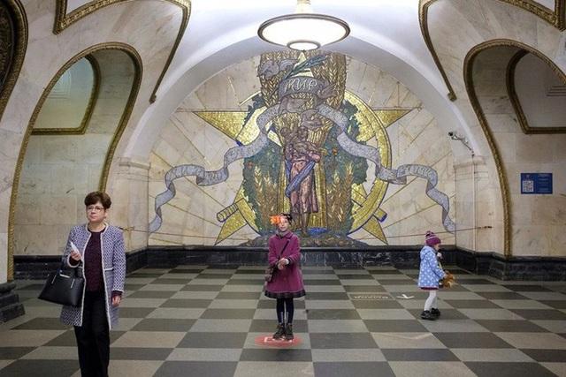 """Nga tự hào với """"cung điện ngầm"""" lộng lẫy nguy nga dưới lòng đất - 9"""