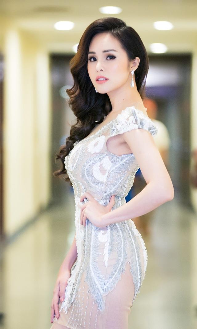 Thành công sau cuộc thi Solo cùng Bolero, Lê Trinh tự tin bước ra hát solo mà không cần đầu quân cho bất kỳ một công ty giải trí nào dù nhận được rất nhiều lời mời hợp tác.