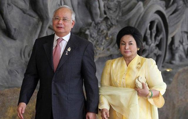 Cựu Thủ tướng Malaysia Najib Razak và vợ (Ảnh: Reuters)
