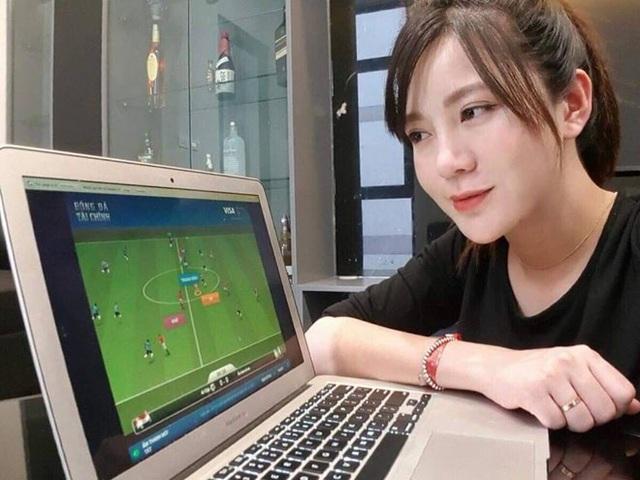 Tú Linh vẫn không từ bỏ niềm đam mê bóng đá