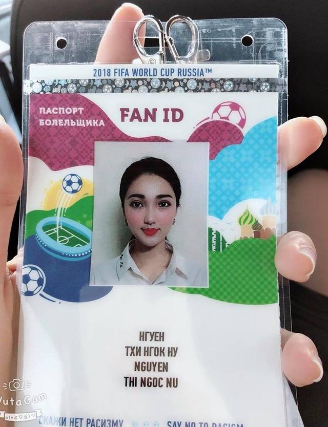 Ngọc Nữ kể trong chuyến bay sang Moscow cô gặp khá nhiều cổ động viên Việt Nam bay sang xem World Cup, tuy nhiên đa số mọi người chỉ đi 1-2 trận rồi về, còn số người đi cả tháng như nhóm của Ngọc Nữ thì rất hiếm.