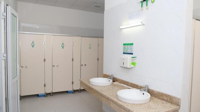 Nhà vệ sinh bệnh viện Phụ sản Hà Nội đạt điểm 5 theo thang điểm đánh giá chất lượng của Bộ y tế.