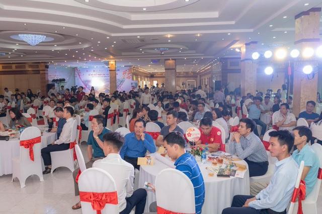 Lễ ký kết thu hút sự quan tâm của đông đảo khách hàng và nhà đầu tư.