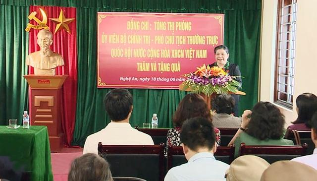 Bà Tòng Thị Phóng: Tôi mong muốn tỉnh Nghệ An tiếp tục phát huy truyền thống anh hùng, cách mạng, xây dựng Nghệ An trở thành điểm sáng trong các phong trào thi đua yêu nước....