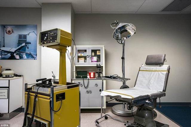 """Phòng chăm sóc y tế đặc biệt trong căn hầm """"ngày tận thế"""" nằm dưới khu nghỉ dưỡng Greenbrier."""