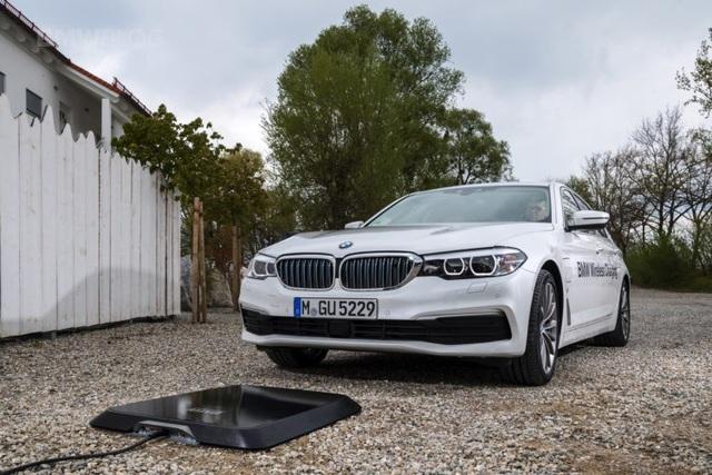 BMW giới thiệu hệ thống sạc không dây mới cho xe chạy điện - 2