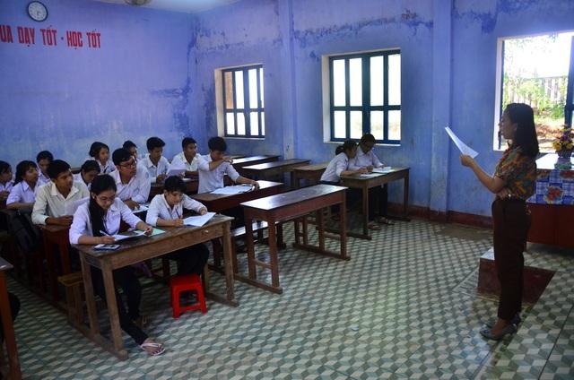 Học sinh lớp 12 tại huyện đảo Lý Sơn (tỉnh Quảng Ngãi) được chọn thầy cô ôn thi phù hợp với năng lực, nguyện vọng của mình. (Ảnh: Quốc Triều)
