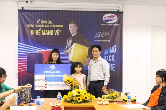 Chị Trương Thị Ngọc Thảo – Khách hàng may mắn đoạt giải cao nhất của chương trình