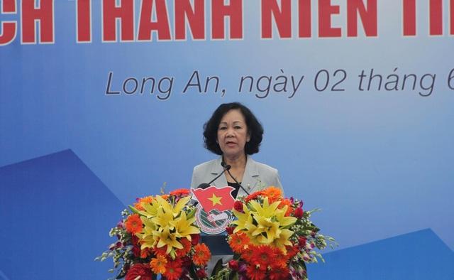 Ủy viên Bộ Chính trị, Trưởng ban Dân vận Trung ương Trương Thị Mai biểu dương tinh thần tình nguyện của thanh niên tham dự.
