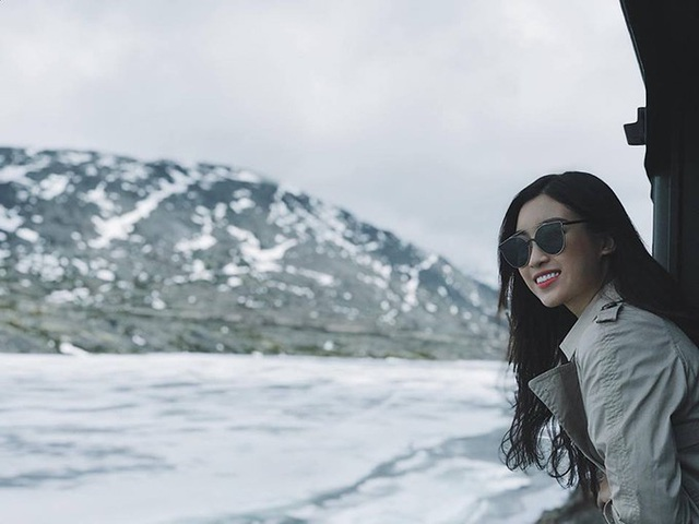 Hoa hậu Mỹ Linh có hành trình du lịch xứ sở băng giá Alaska (Mỹ).