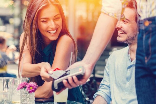 Những ngộ nhận bất ngờ về thẻ thanh toán mà hầu hết chúng ta không hề biết - 3
