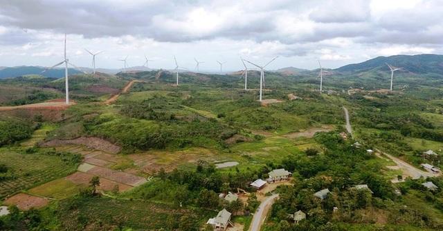 Dự án điện gió tại xã Hướng Linh và Hướng Hiệp đã đi vào hoạt động (Ảnh: V. Linh)