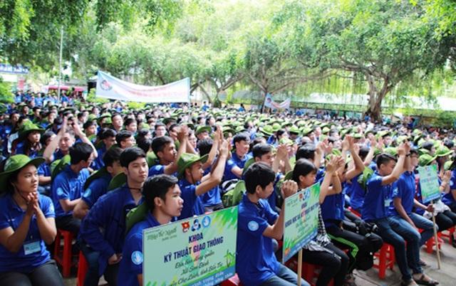 Gần 1000 sinh viên trường ĐH Bách khoa (ĐHQG TPHCM) tình nguyện tham gia chiến dịch Mùa hè xanh năm 2018