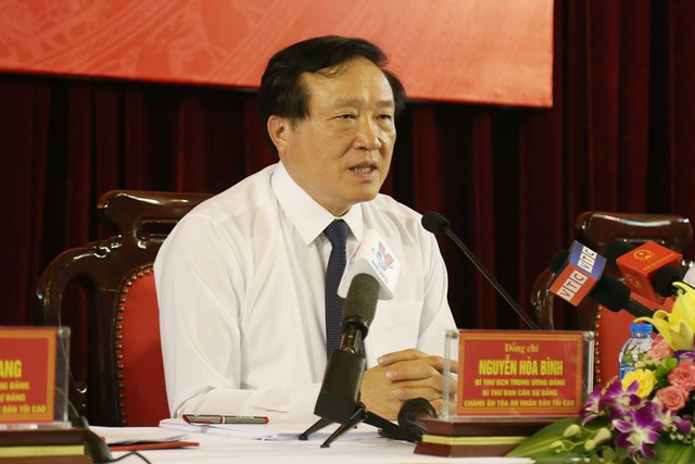 Ông Nguyễn Hòa Bình.