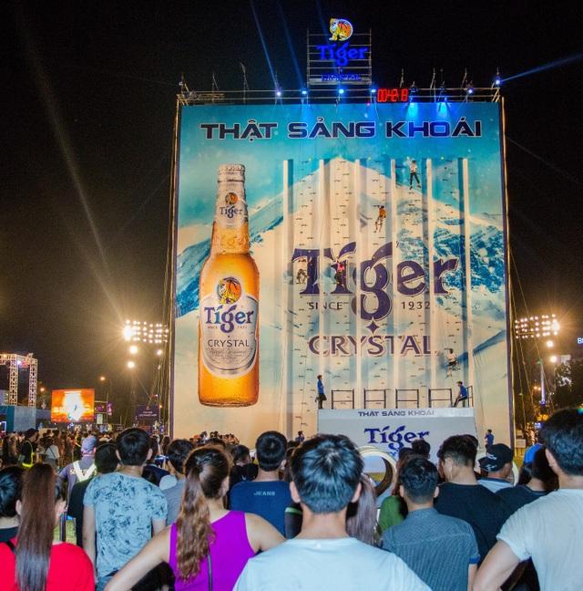 """Thu hút sự quan tâm đặc biệt của hàng ngàn bạn trẻ, Bức tường Tiger 2018 chính là điểm giải trí """"nóng"""" nhất hè này tại Quy Nhơn"""