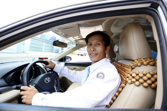 Tài xế Võ Quốc Phi, người đỡ đẻ thành công cho sản phụ trên đèo Tà Nung