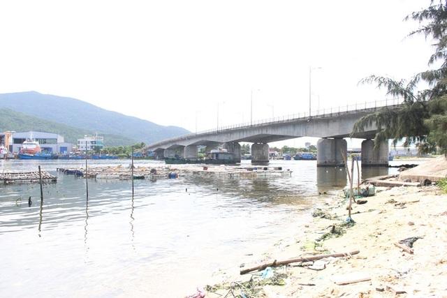 Khu vực cầu Mân Quang - nơi phát hiện thi thể người phụ nữ chết trong tư thế bị cột chân tay.