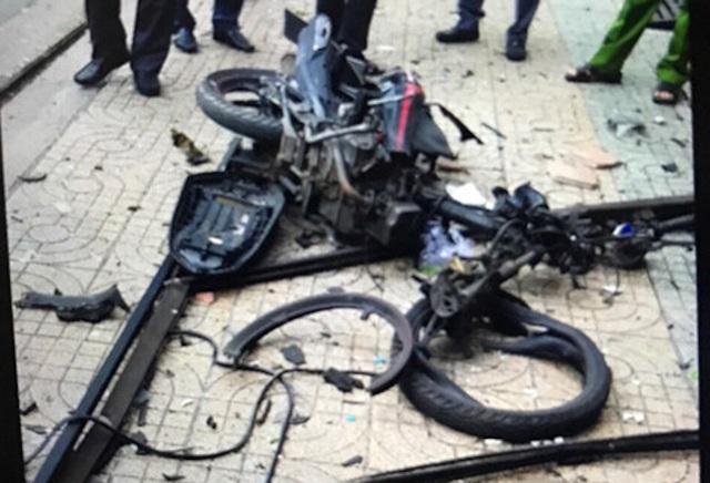 Chiếc xe máy biến dạng sau vụ nổ