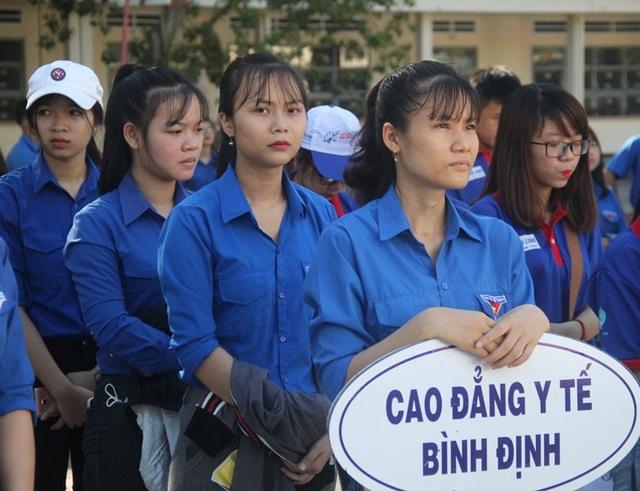 Tỉnh đoàn Bình Định tổ chức Lễ ra quân chương trình Tiếp sức mùa thi năm 2018, ưu tiên giúp đỡ thí sinh có hoàn cảnh khó khăn.