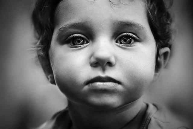 Những tác phẩm lấy chủ đề về trẻ em và nỗi buồn thường có được sự đón nhận mạnh mẽ từ dư luận.