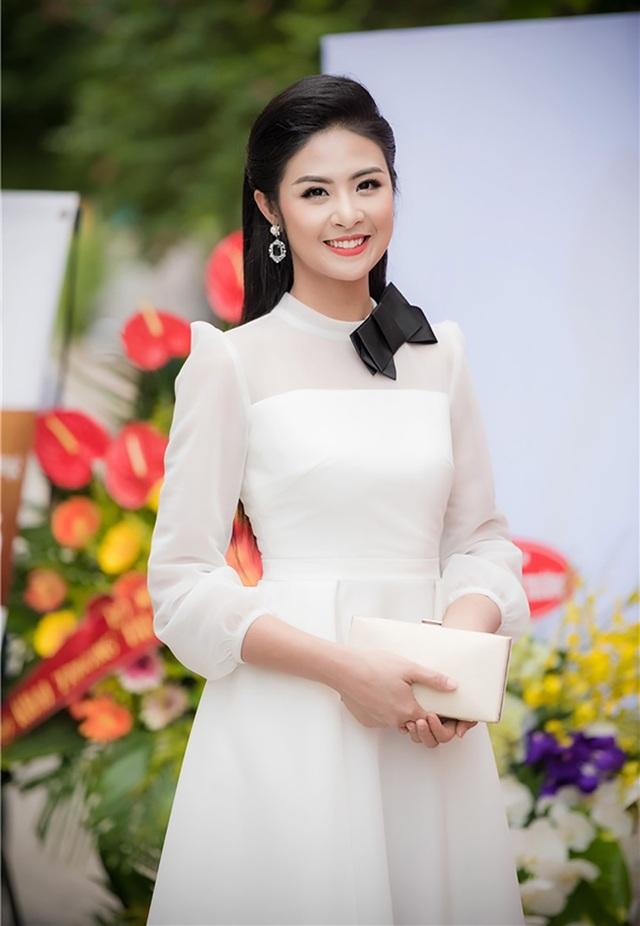 """Đến nay, sau 8 năm đăng quang, cái nhìn của công chúng dành cho Ngọc Hân đã hoàn toàn thay đổi khi cô được đánh giá là """"Hoa hậu Việt Nam mẫu mực nhất trong vòng 20 năm qua""""."""