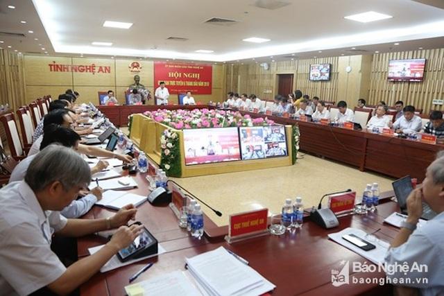 UBND tỉnh Nghệ An họp sơ kết 6 tháng trực tuyến (Ảnh: BNA)