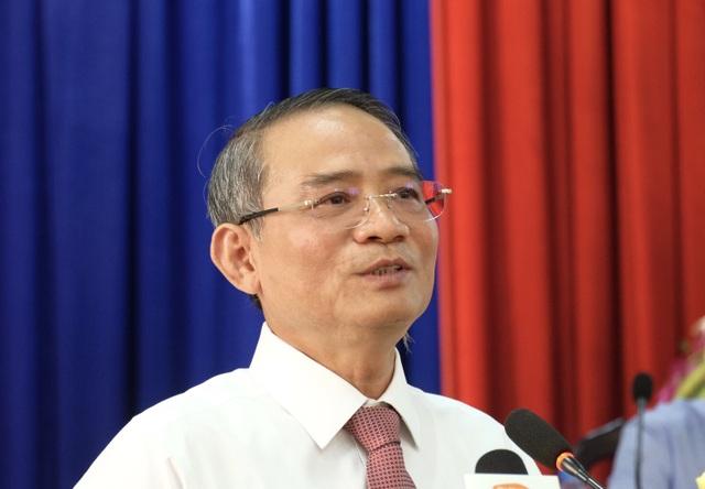 Ông Trương Quang Nghĩa - Bí thư Thành uỷ Đà Nẵng, Trưởng đoàn ĐBQH TP phát biểu tại buổi tiếp xúc cử tri ở quận Hải Châu sáng 22/6.