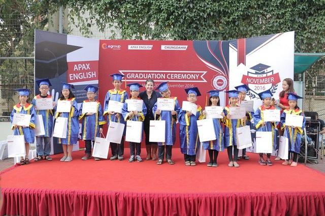 Bằng việc ứng dụng công nghệ vào giảng dạy, Apax English đã giúp thế hệ trẻ Việt tự tin trở thành công dân toàn cầu.
