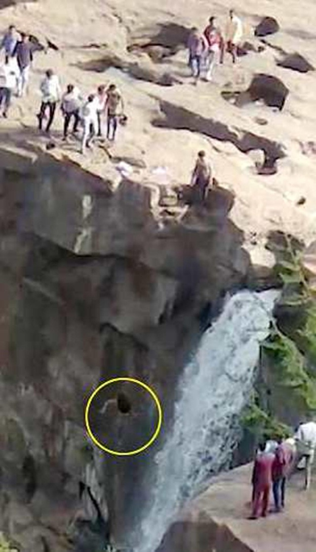 Ước tính trong 5 năm qua đã có 19 người thiệt mạng tại thác Gokak, bao gồm cả tự tử và tai nạn