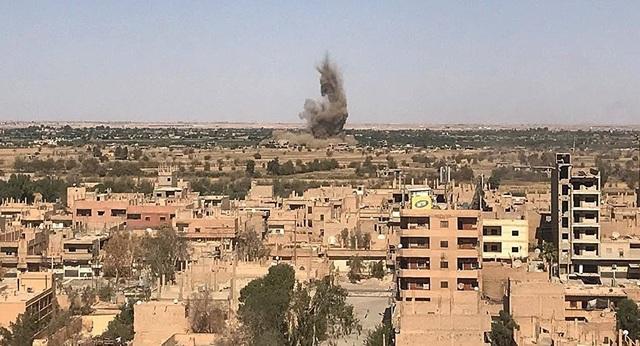 Một cuộc tấn công của quân đội Syria và đồng minh vào khu vực do IS chiếm giữ tại tỉnh Deir ez-Zor. (Ảnh minh họa: Sputnik)